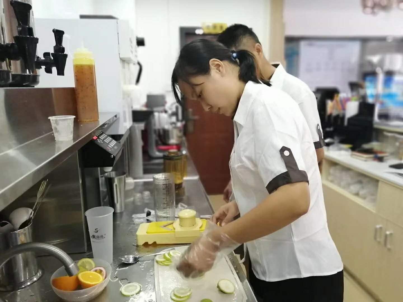 奶茶店全套设备怎么维护与使用?